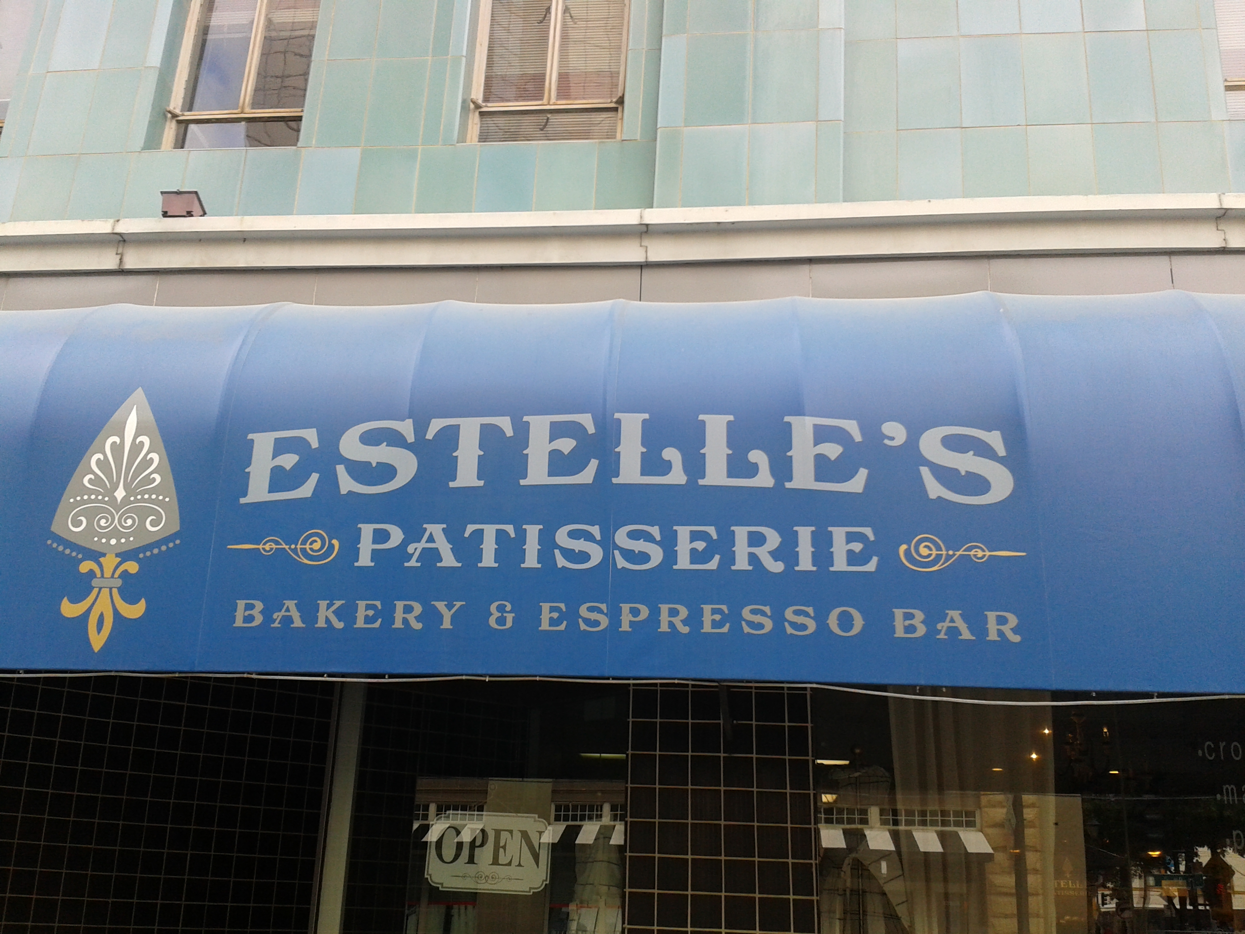 Instant Reaction: Estelle\'s Croixnut Good, But Not The Best (Cowtown ...